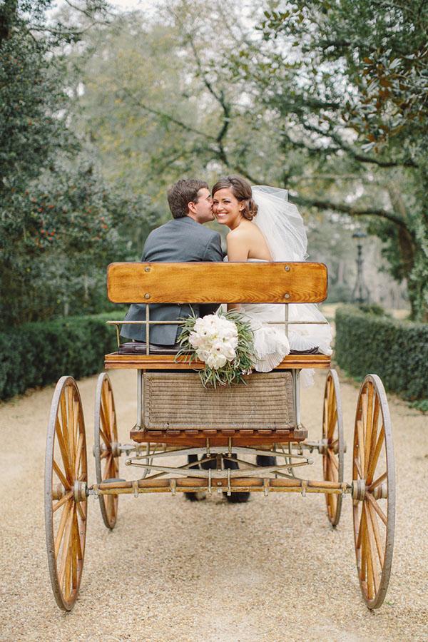 Bruidspaar in een koets