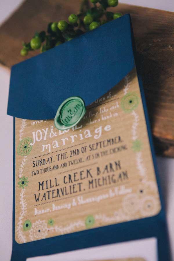 Duurzame bruiloft uitnodiging van gerecycled papier
