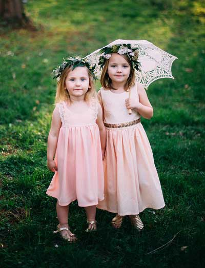 Bloemenmeisjes met roze jurkje