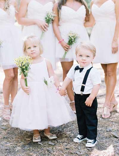 Jongen en meisje op bruiloft
