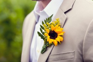 Bruidegom corsage zonnebloem