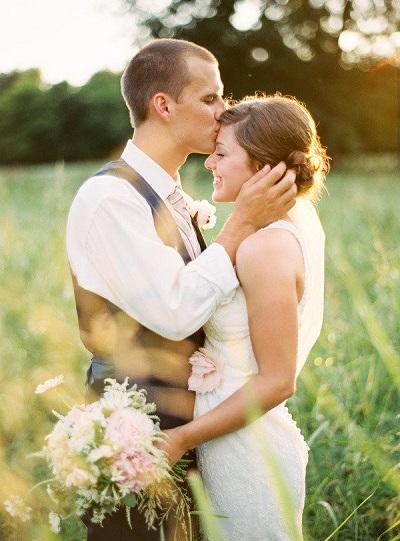 Bruidspaar met golden hour