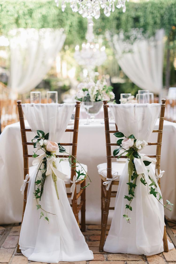Stoelversiering bruiloft bij diner