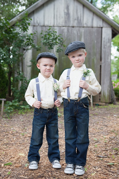 Bruidsjonkers met hoed