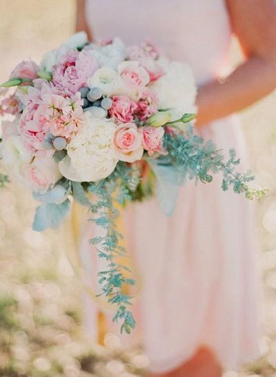Bruidsboeket in pastelkleuren