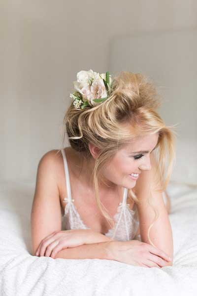 Bridal boudoir fotoshoot bruid