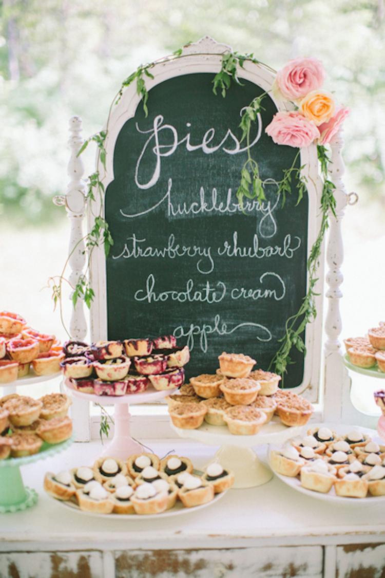 Mini taartjes bij de bruiloft receptie