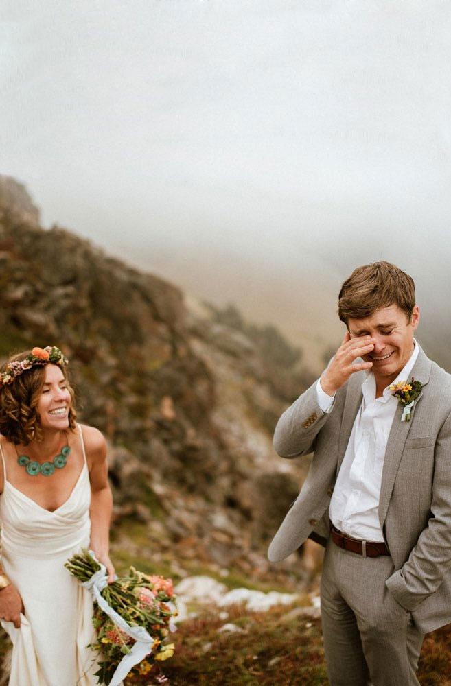 Emotionele bruidegom bij first look