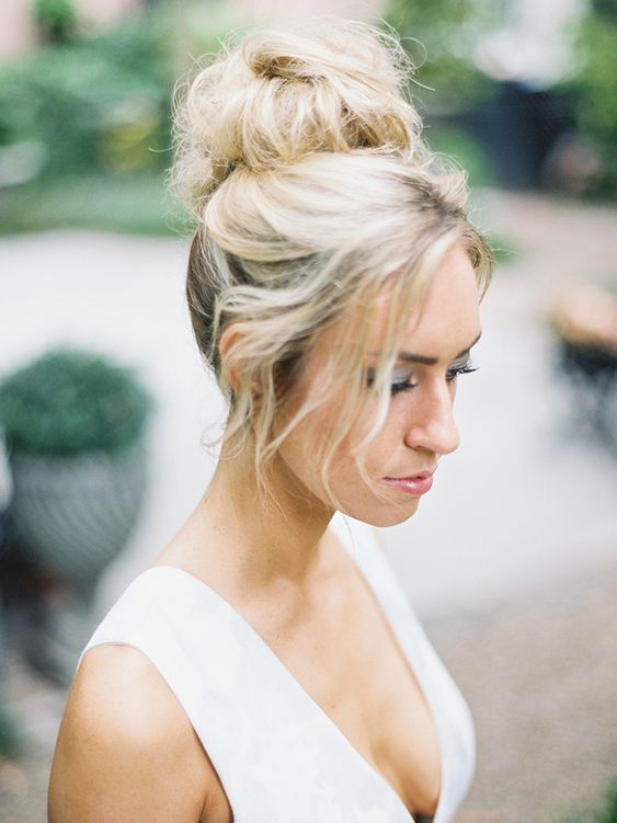 Bruid met nonchalante knot