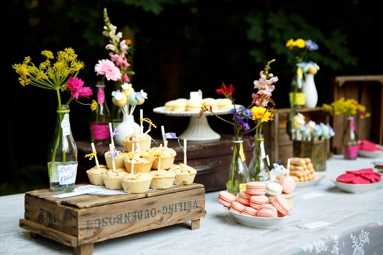 Dessert buffet op een bruiloft