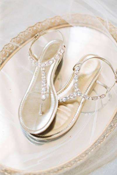 Sandaaltjes als trouwschoenen