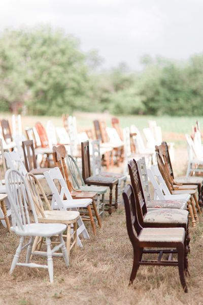 Vintage stoelen bruiloft