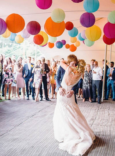 Festival bruiloft bruidspaar