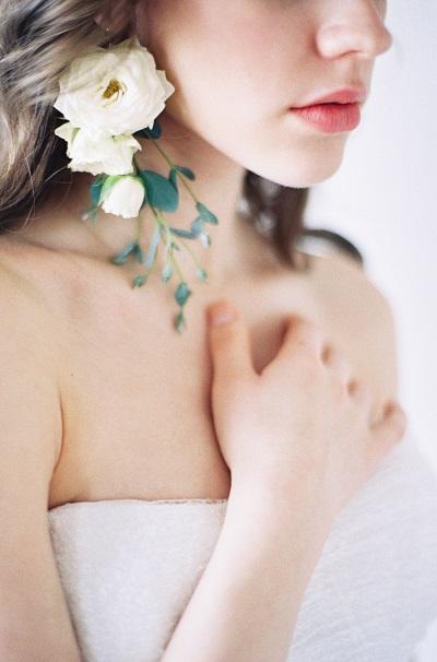 Bloemen als oorbellen