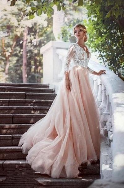 Roze met witte trouwjurk
