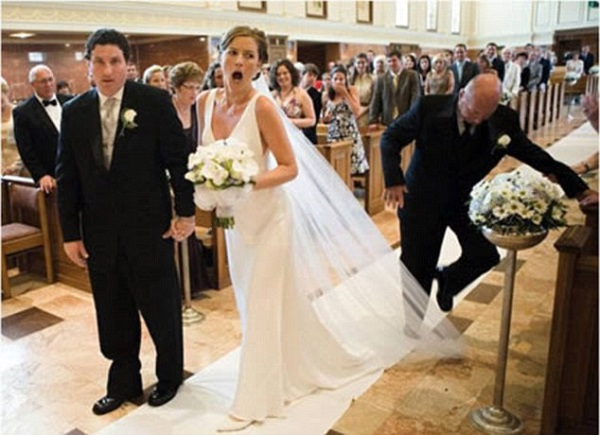 Gênante trouwfoto sleep bruid