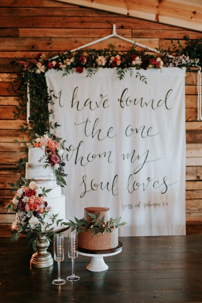 Backdrop met quotes
