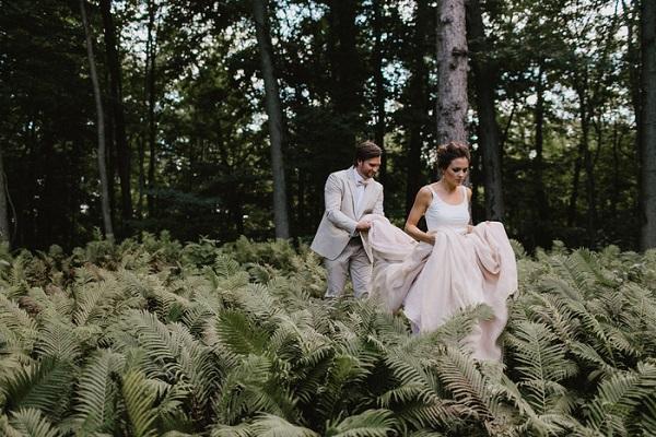 Bruid met bijzondere trouwjurk