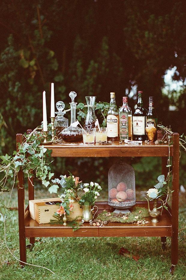 Whiskybar op een vintage kastje