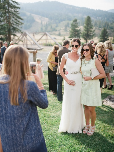 Bruid met haar ceremoniemeester