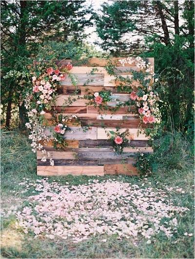 Backdrop van hout met bloemen