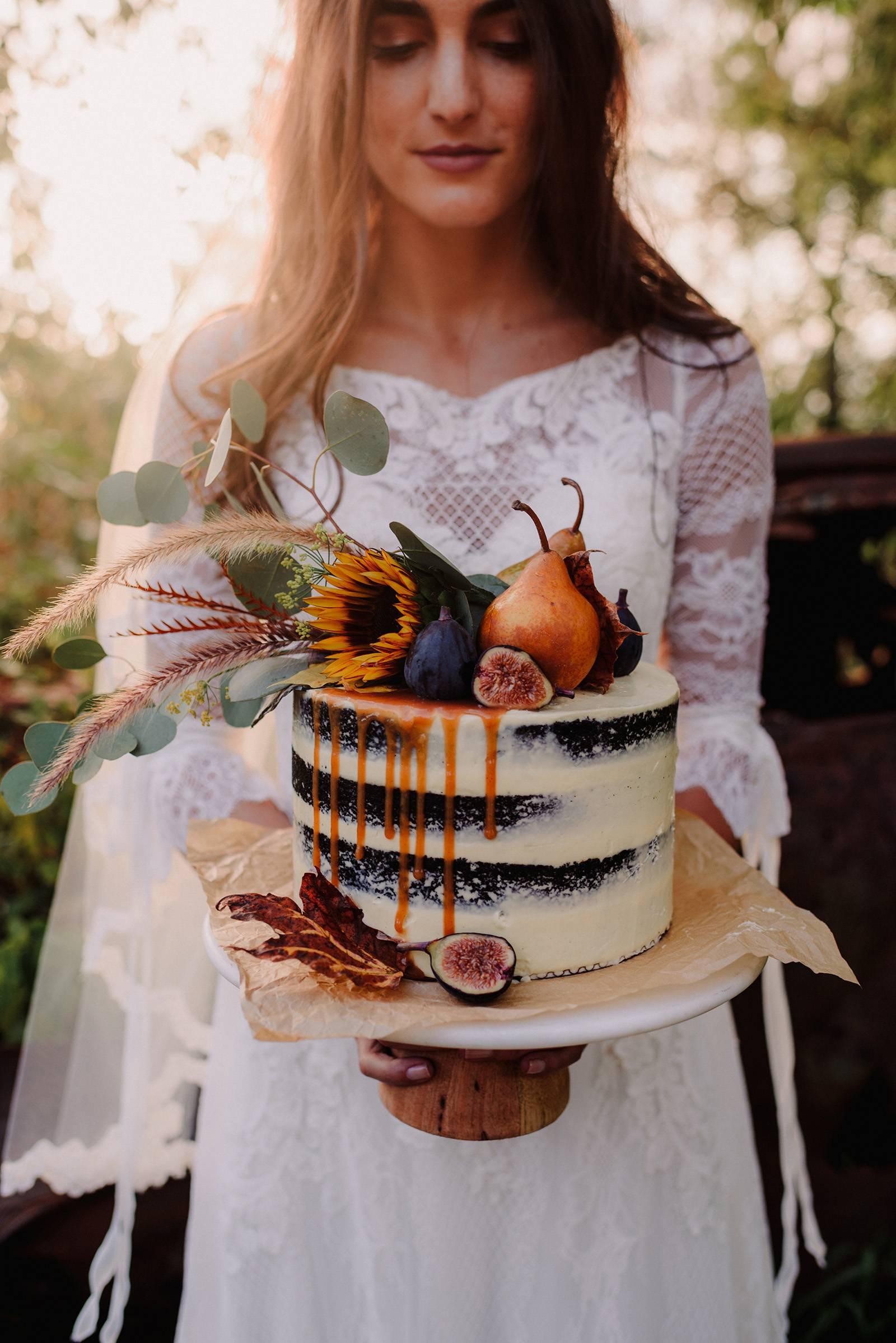 Bruid met naakte bruidstaart