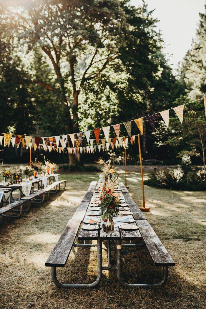 Tafels voor een festival bruiloft