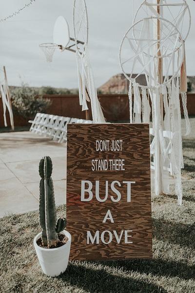 Tekstbord voor het trouwfeest