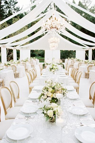 Witte bruiloft tafel decoratie