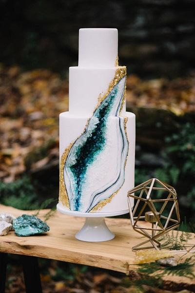 Bruidstaart met smaragden