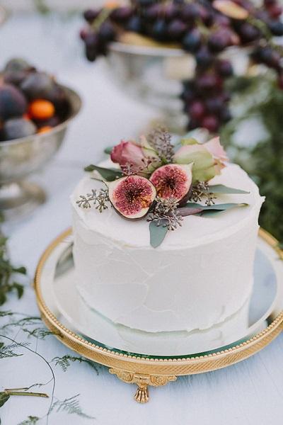 Kleine bruidstaart met vijgen