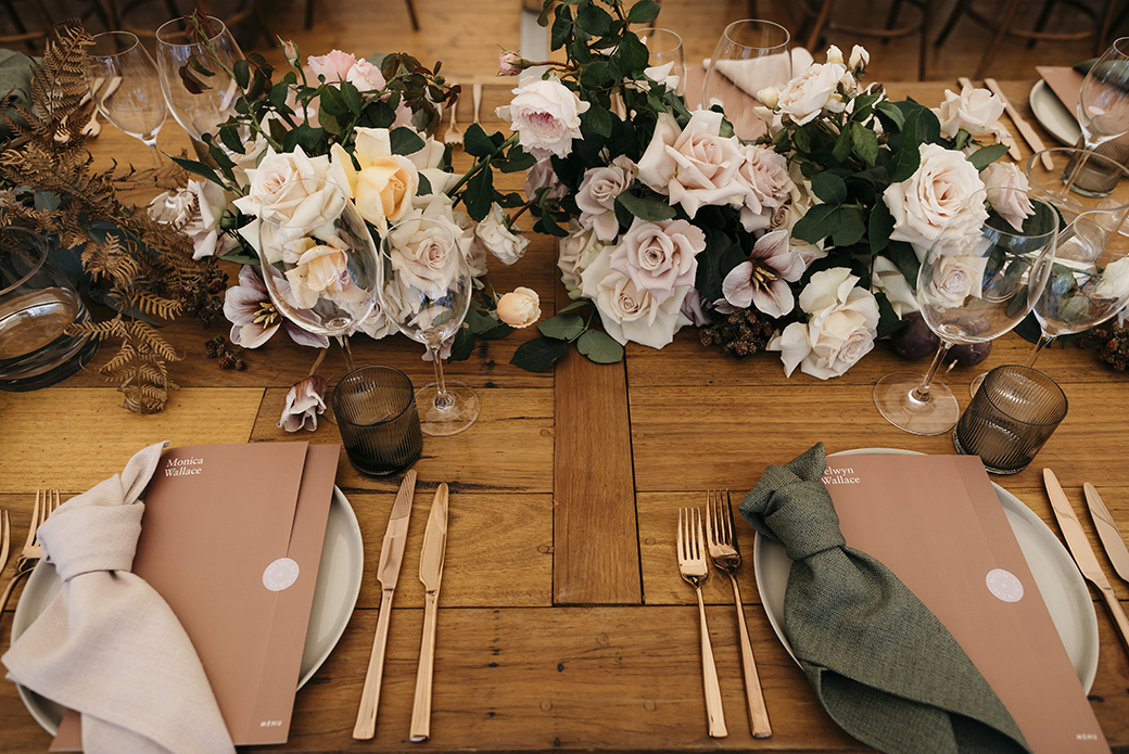 Tafel met rosé goud bestek