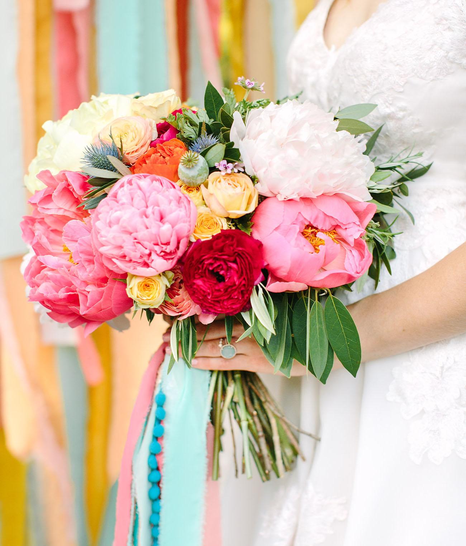 Bruidsboeket met felle kleuren