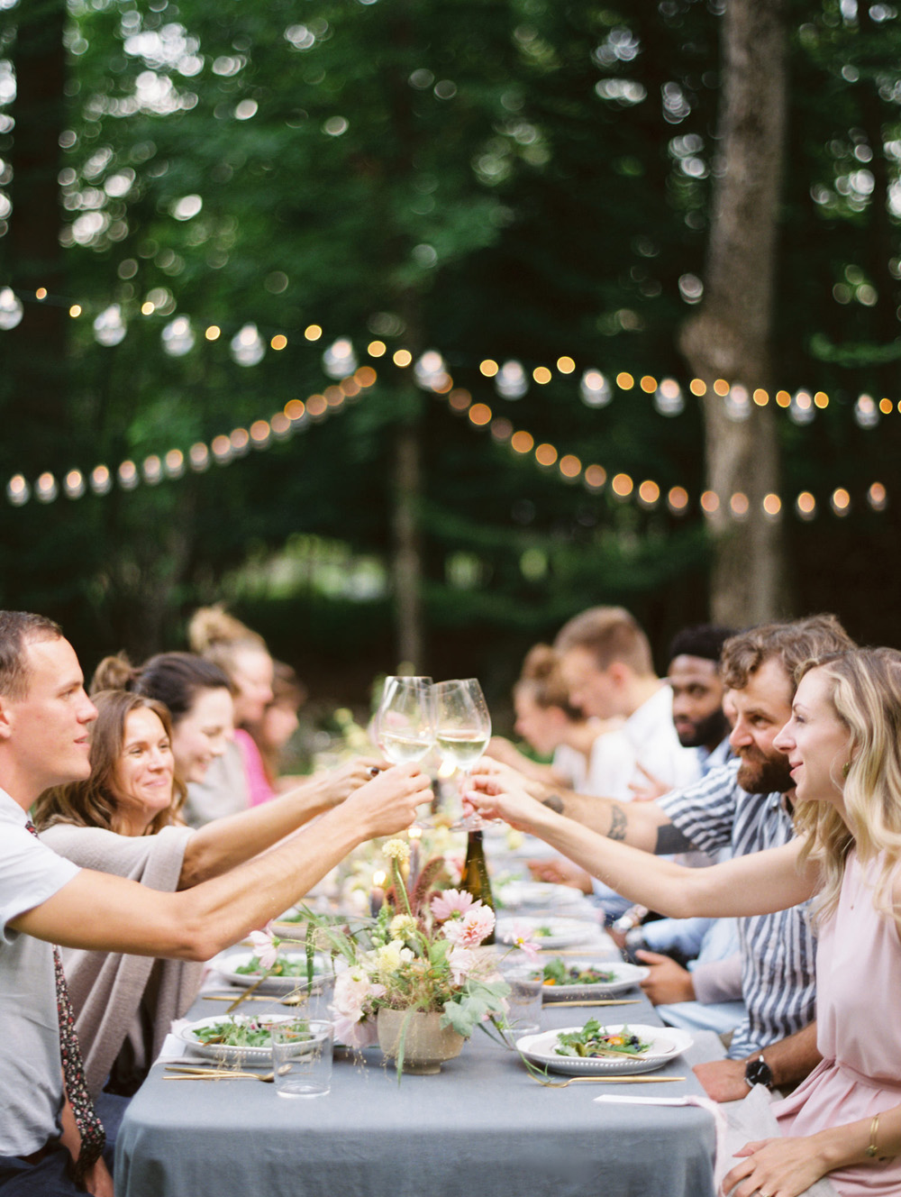 Collega's uitnodigen op de bruiloft tijdens het diner