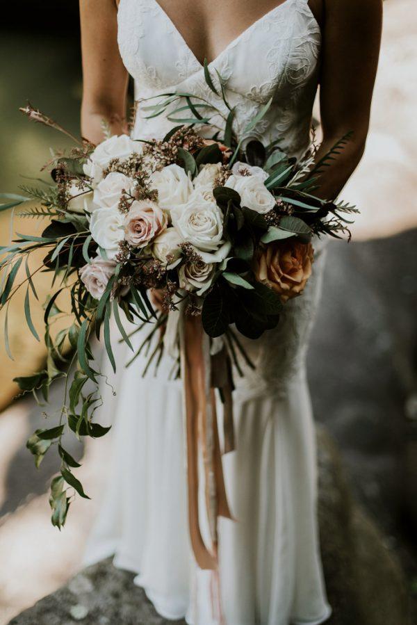 Trouwboeket waterval bruidsboeket
