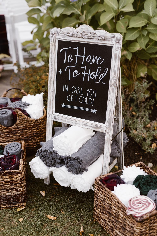 Dekentje voor de gasten op een bruiloft