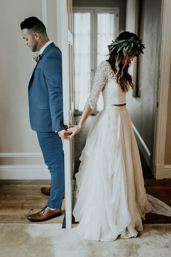 Bruidsfoto van first look