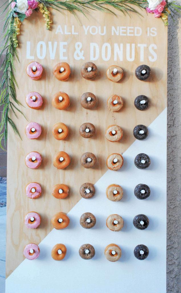 Donut wall in twee kleuren