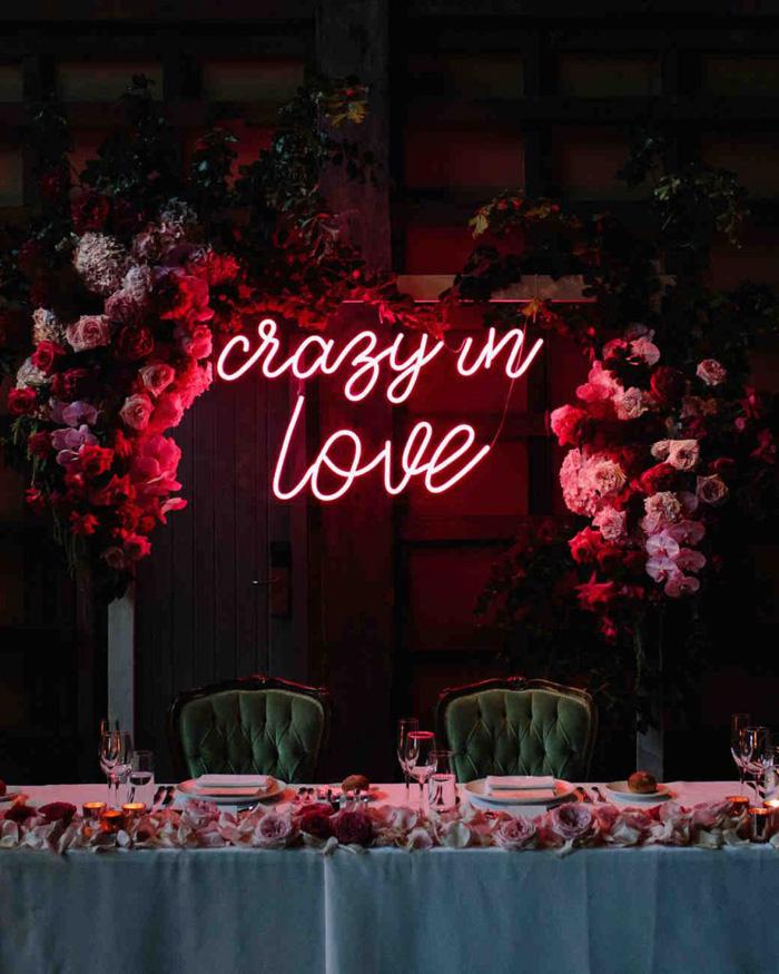 Neon letters bruiloft