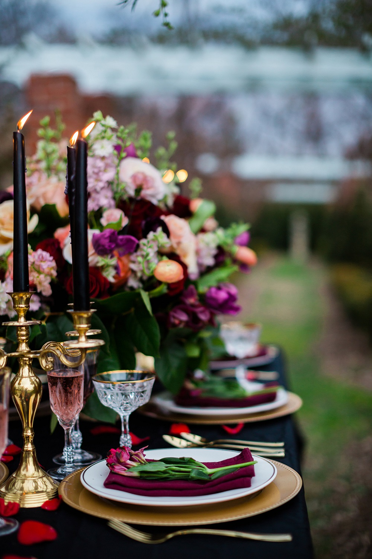Gedekte tafel voor 10 jarig jubileum