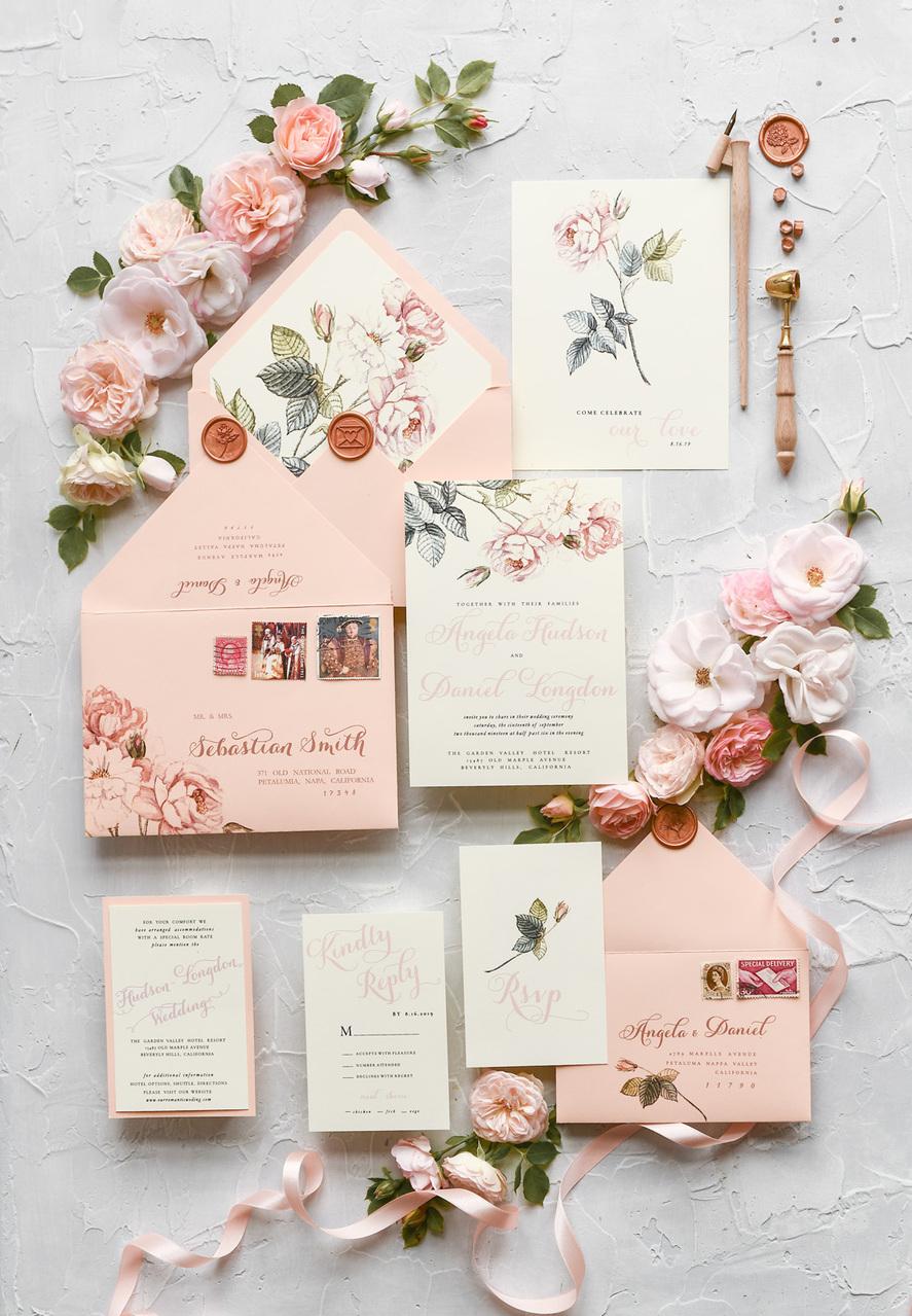 Trouwkaart in envelop met adressering en wax stempel