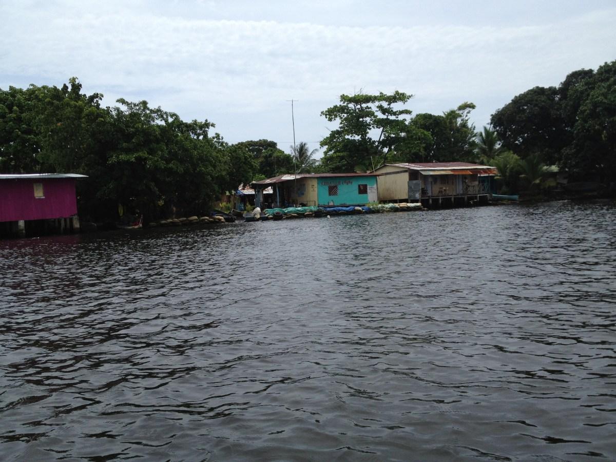 Costa Rica Tourism: Boat Trip to Tortuguero