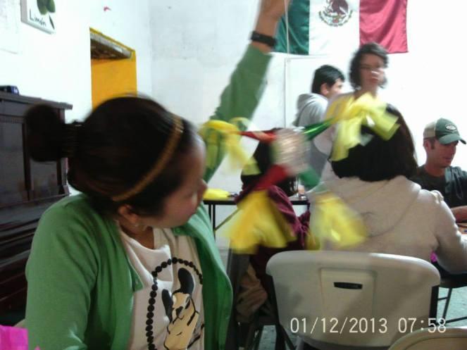 Making Pinatas Escuela Falcon Guanajuato Mexico 20