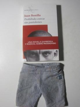 """""""Prohibido entrar sin pantalones"""" es el darrer llibre de Juan Bonilla."""