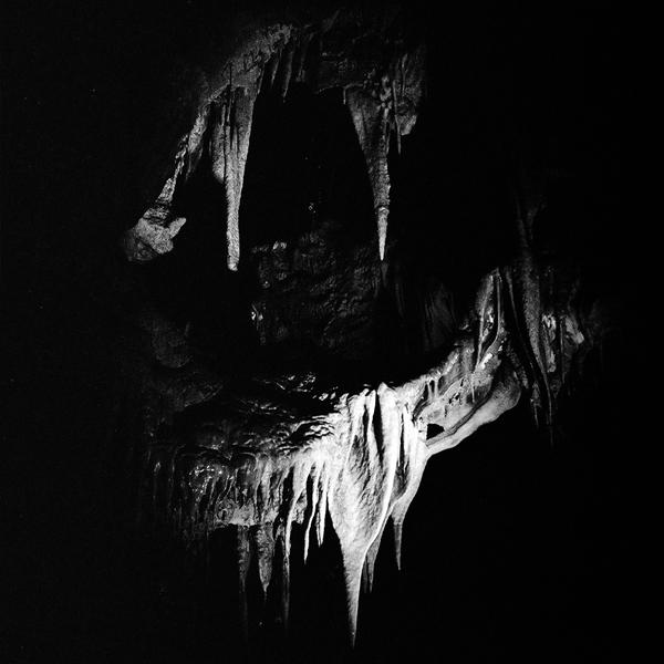 PASZCZA w jaskiniach Marble Arch, swiatlo zastane