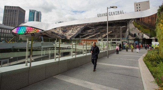 However, looking west along the walk link from Bullring shows that the station building has been completed.