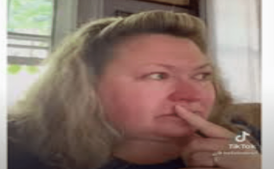 Image Of Kelly Bates Shared Shocking News With Fans