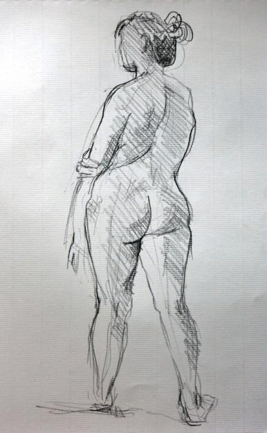 Sophie debout de dos
