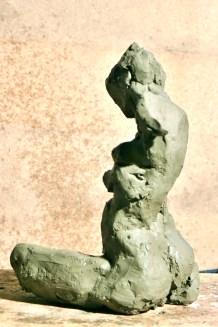 Al pose agenouillée - profil gauche