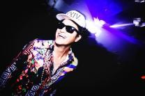 los angeles club scene bruno mars look alike